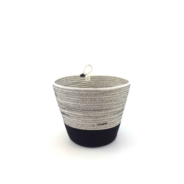 Mia Melange - Medium Planter and Drip Tray