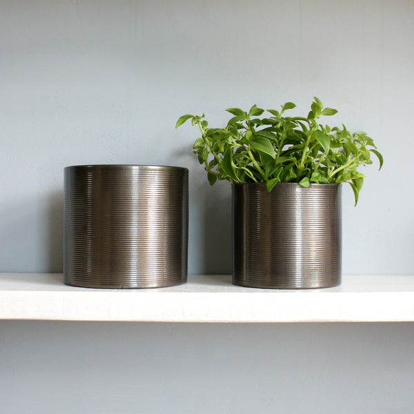 Gun Metal Ripple Pots 14cm and 16cm