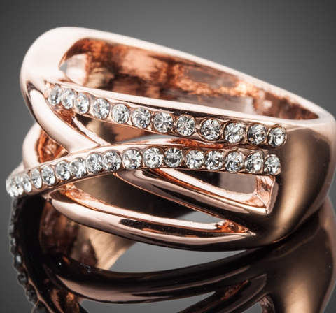 Twisted Wire Rose Gold Crystal Ring 1