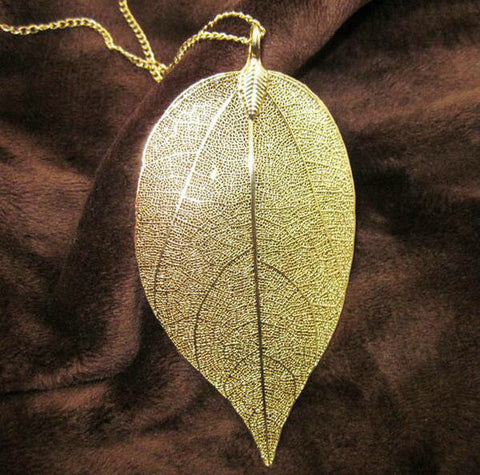 Twisted Wire Natural Leaf Necklace Gold