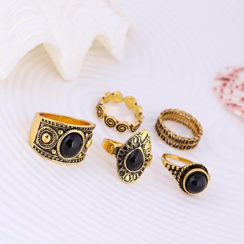 Black Stone 5 Ring Set in Gold