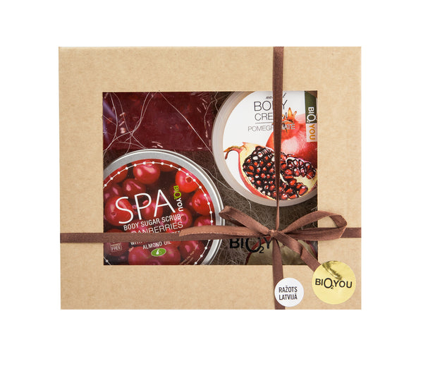 Hand made Natural Bath & Body gift set with - Red Fruits - ArabianGlitz
