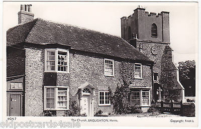 THE CHURCH, BROUGHTON, HANTS - REAL PHOTO POSTCARD (ref 5023/12)