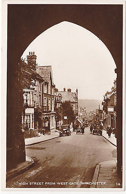 HIGH STREET FROM WEST GATE, WINCHESTER - OLD REAL PHOTO, OLD CARS (our ref 5455)
