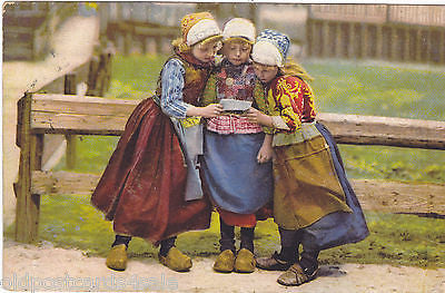 THREE CHILDREN IN COSTUME - POSSIBLY DUTCH (ref 3250/12)