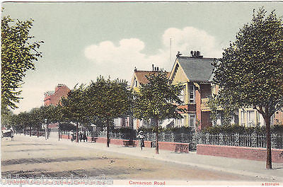CARNARVON ROAD, CLACTON ON SEA - OLD POSTCARD (ref 6971/14)
