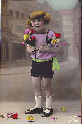GIRL WITH FLOWERS - OLD POSTCARD - HAND COLOURED  (ref 4231/15)
