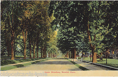 UPPER BROADWAY, NORWICH, CONN. - OLD POSTCARD (ref 3360/13)
