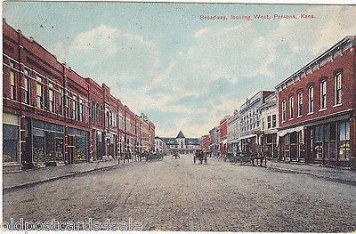 BROADWAY LOOKING WEST, PARSONS, KANSAS - 1908 POSTCARD (ref 6288/13)
