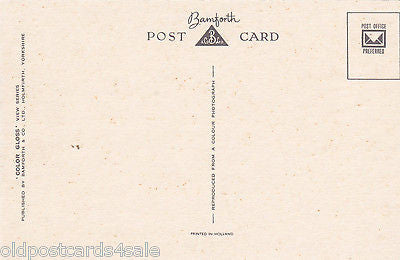 TWO POSTCARDS OF SKIPSEA, NR HORNSEA - BAMFORTH POSTCARDS (ref 5987/14)