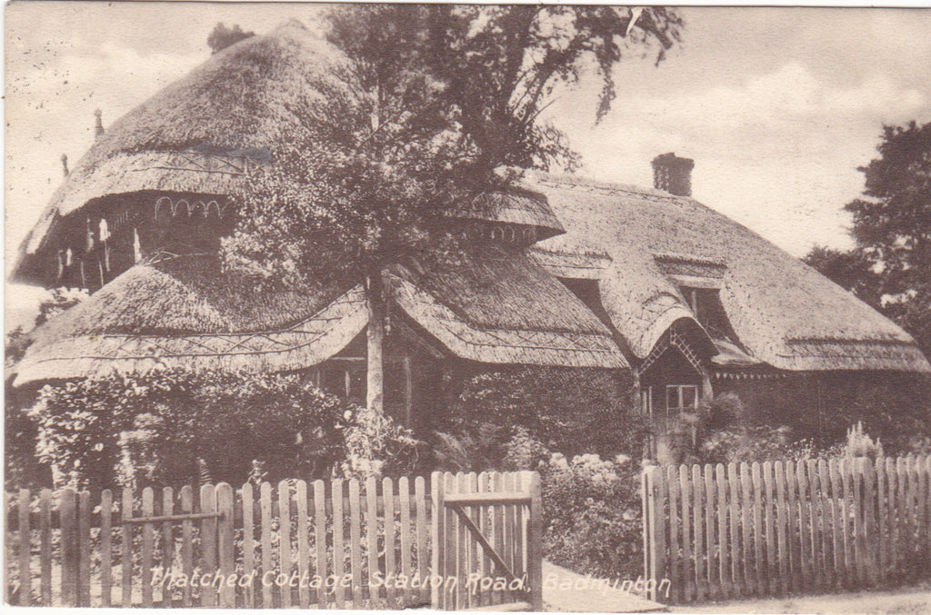Thatched cottage, Station Road, Badminton