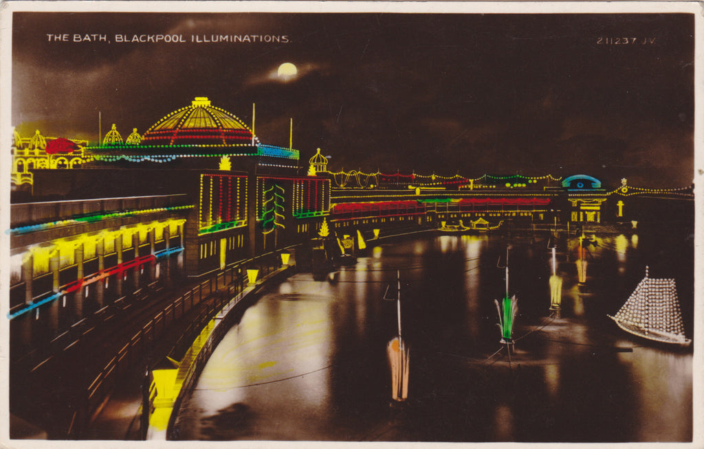 THE BATH, BLACKPOOL ILLUMINATIONS - REAL PHOTO COLOUR POSTCARD (ref 2371/17)
