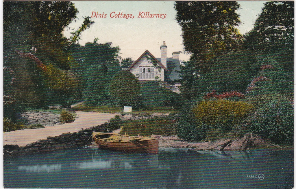 DINIS COTTAGE, KILLARNEY - OLD COUNTY KERRY IRELAND POSTCARD