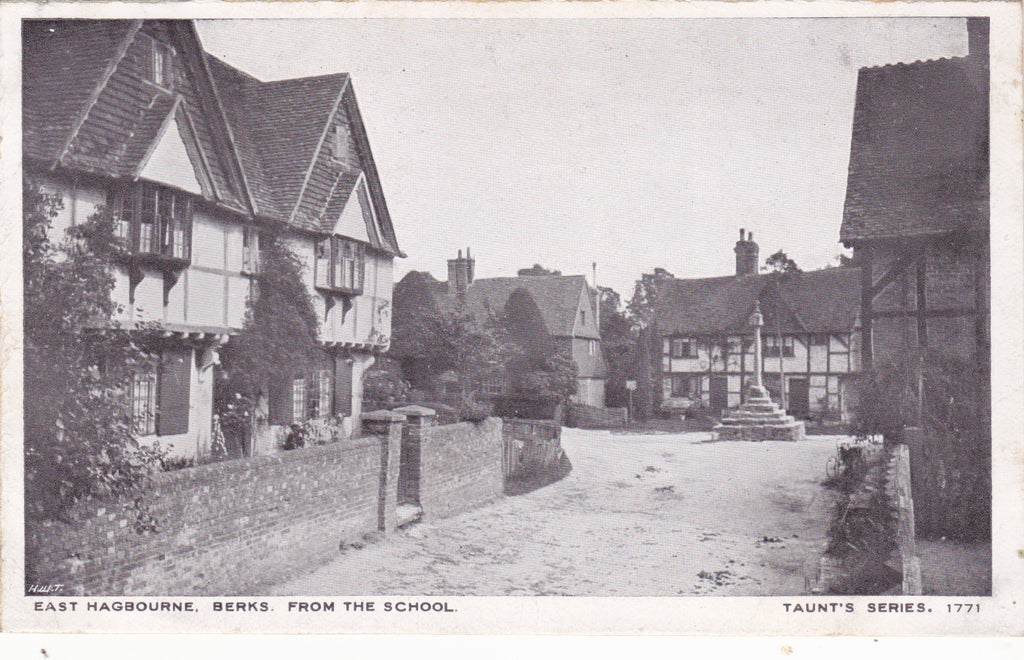 Old postcard of East Hagbourne, Berkshire
