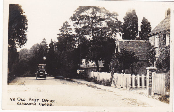 Old real photo postcard of Ye Old Post Office, Gerrards Cross in Buckinghamshire