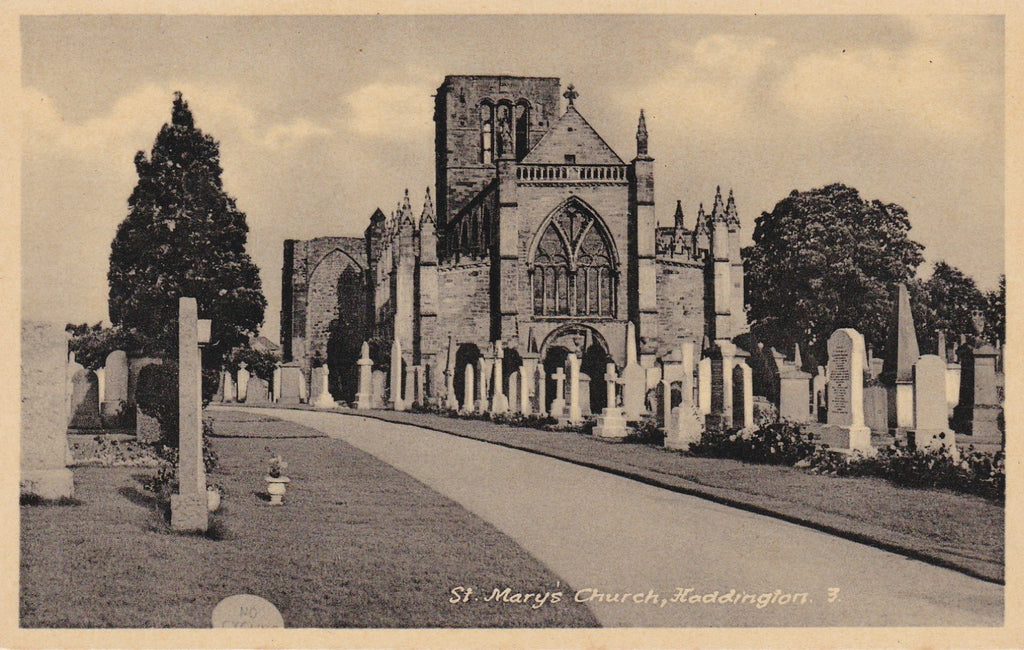 ST MARY'S CHURCH, HADDINGTON, EAST LOTHIAN - OLD POSTCARD