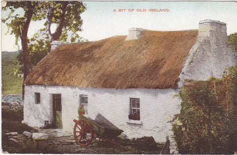 A BIT OF OLD IRELAND - OLD POSTCARD (ref 4120/18)