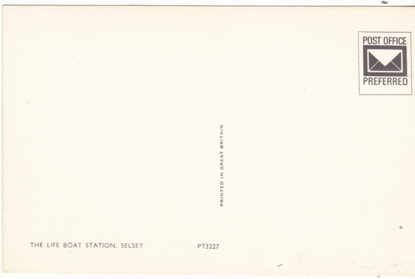 LIFEBOAT STATION, SELSEY - SUSSEX POSTCARD (ref 3096/17)