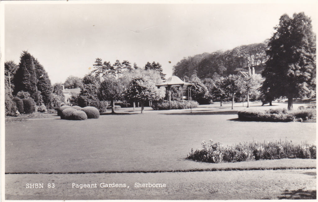 PAGEANT GARDENS, SHERBORNE