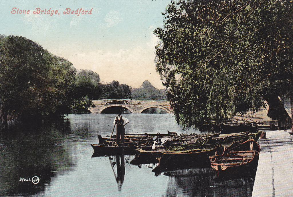 Old postcard of the Stone Bridge, Bedford