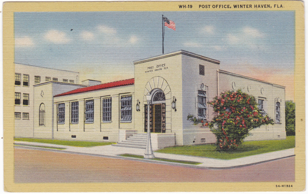 Old postcard of Winter Haven, Fla., showing the Post Office