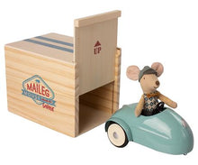 Load image into Gallery viewer, Maileg / Mouse car with garage / Little Brother / Blue