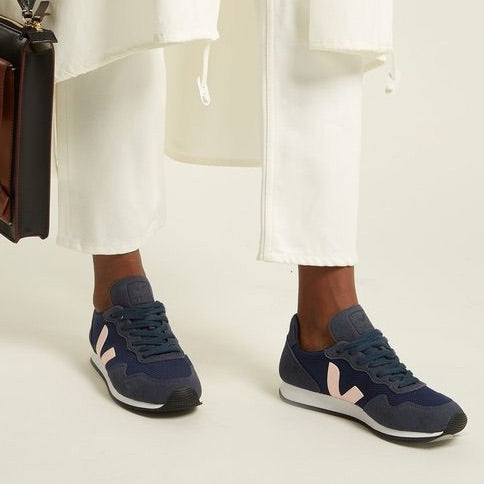 3 reasons why these 5 VEJA trainers are a must have