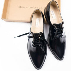 Luxe Derbies Vegan Shoes for Women picture from above with a shoebox by Will's
