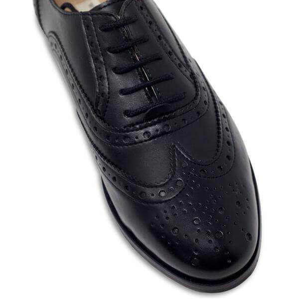 Tip of Women's Oxford Brogues black vegan shoes