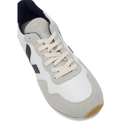 Toecap of Vegan Men's Shoes in White by Veja at ALIVE