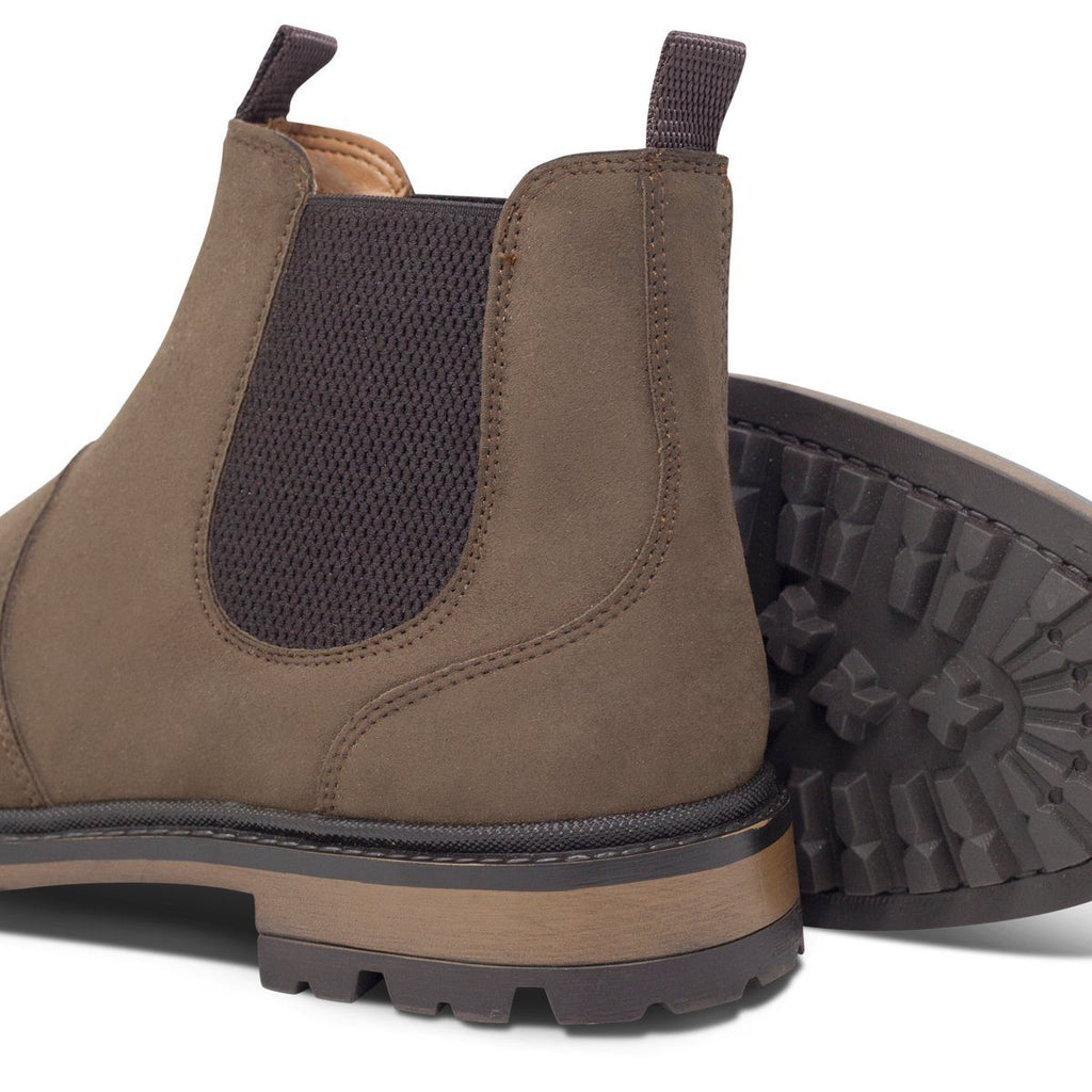pair of men's vegan shoes and black sole Chelsea Boots at ALIVE