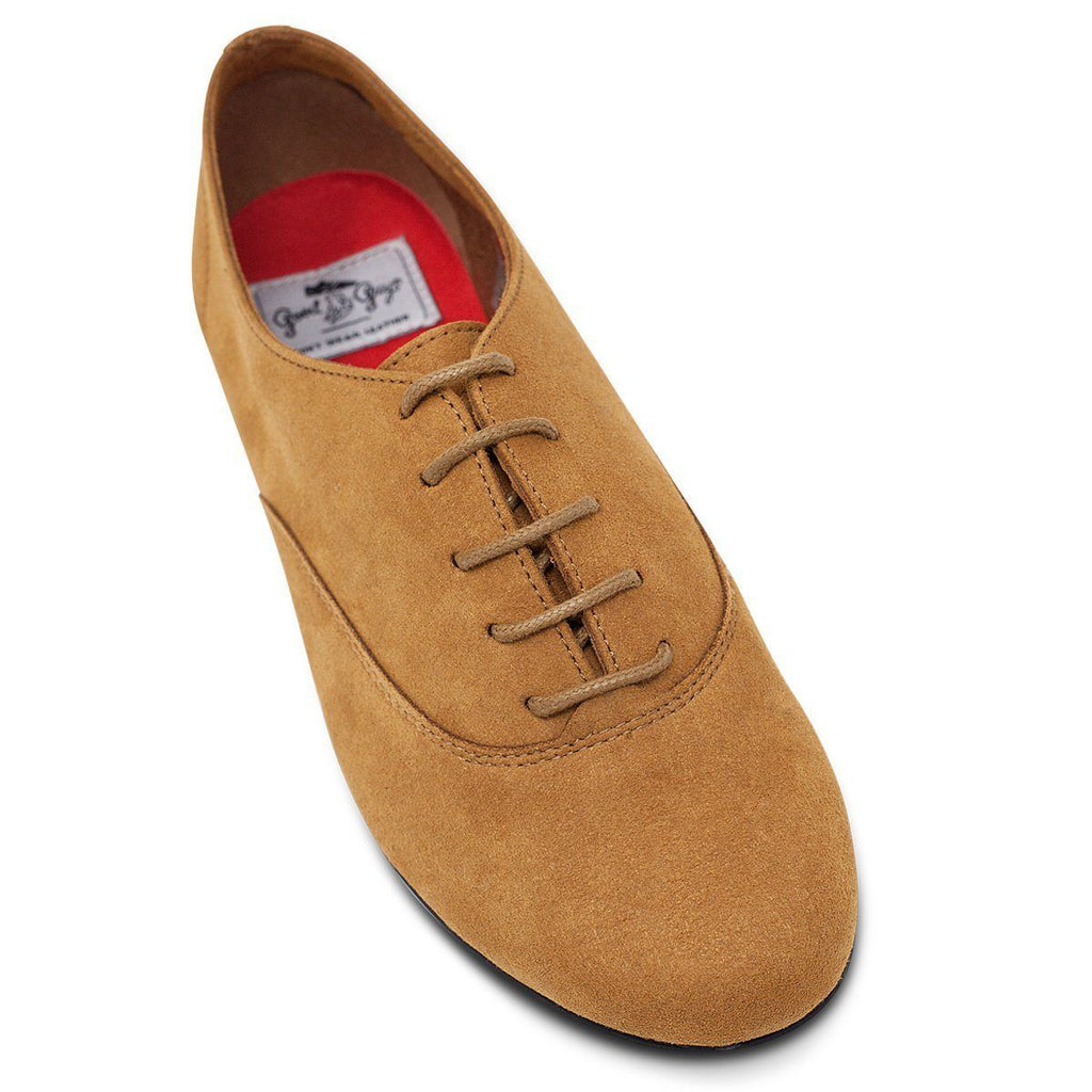 toecap of Vegan shoes in Mustard for men and women at ALIVE