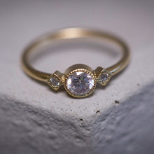 Load image into Gallery viewer, dlyla - three diamonds round ring