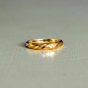 christina - swirl ring