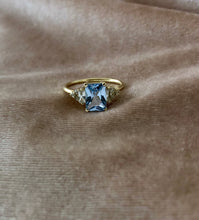 Load image into Gallery viewer, érte aquamarine & diamonds ring