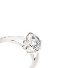 Load image into Gallery viewer, margot - solitaire diamond ring