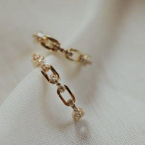 Chain link small hoop earrings