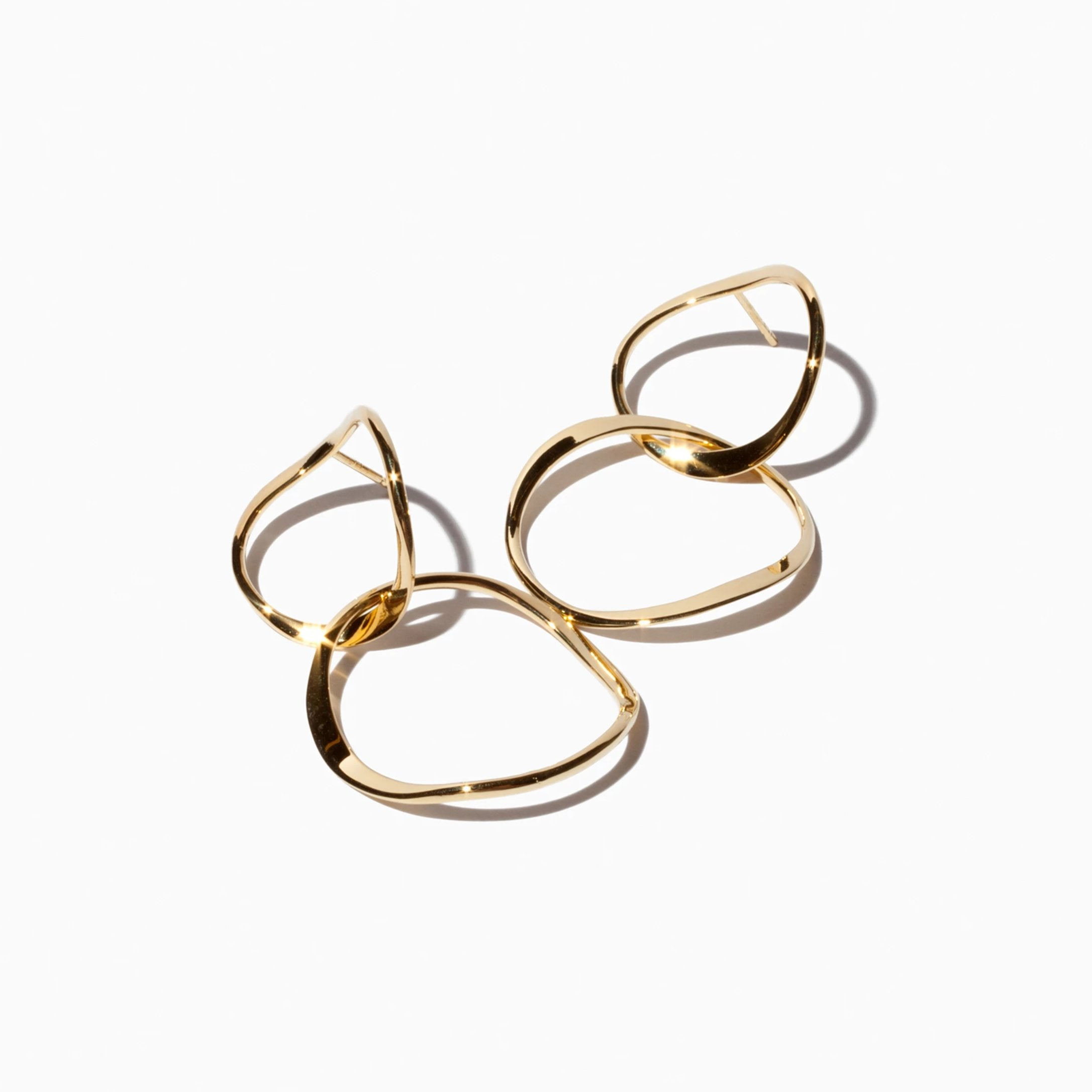 Short Interlocking Hoops