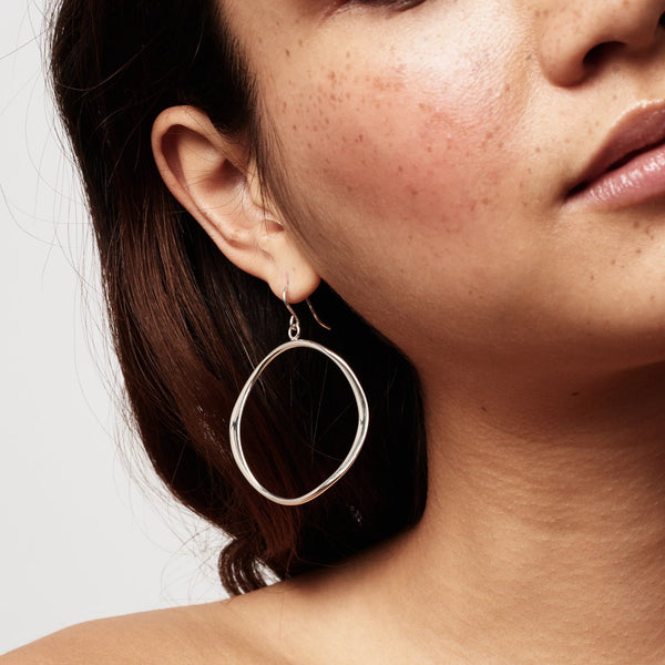 Small Classic Wave Hoops