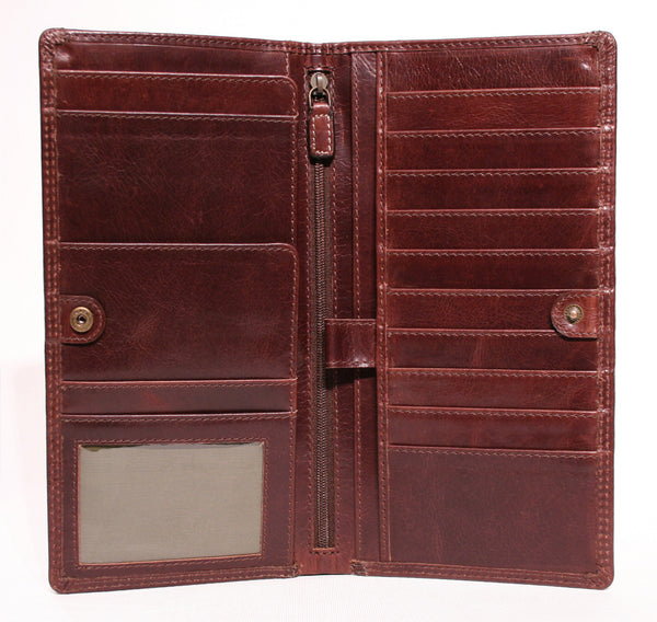 AW-153 Travel Wallet in Manhattan Leather