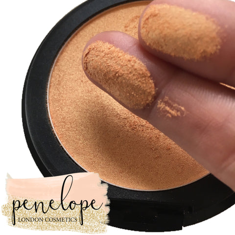 Shimmering Dust Mineral Highlighter - Penelope London Cosmetics