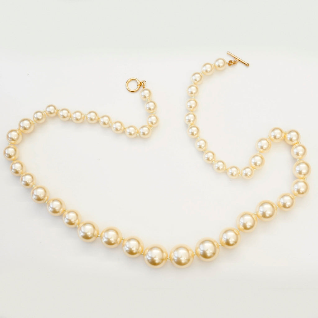 "28"" Graduated Cream Pearl Necklace"