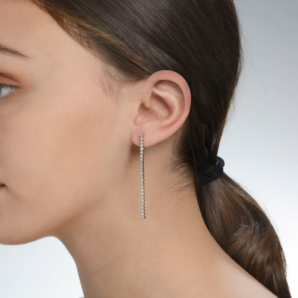 14K White Gold Flexible Stick Earring