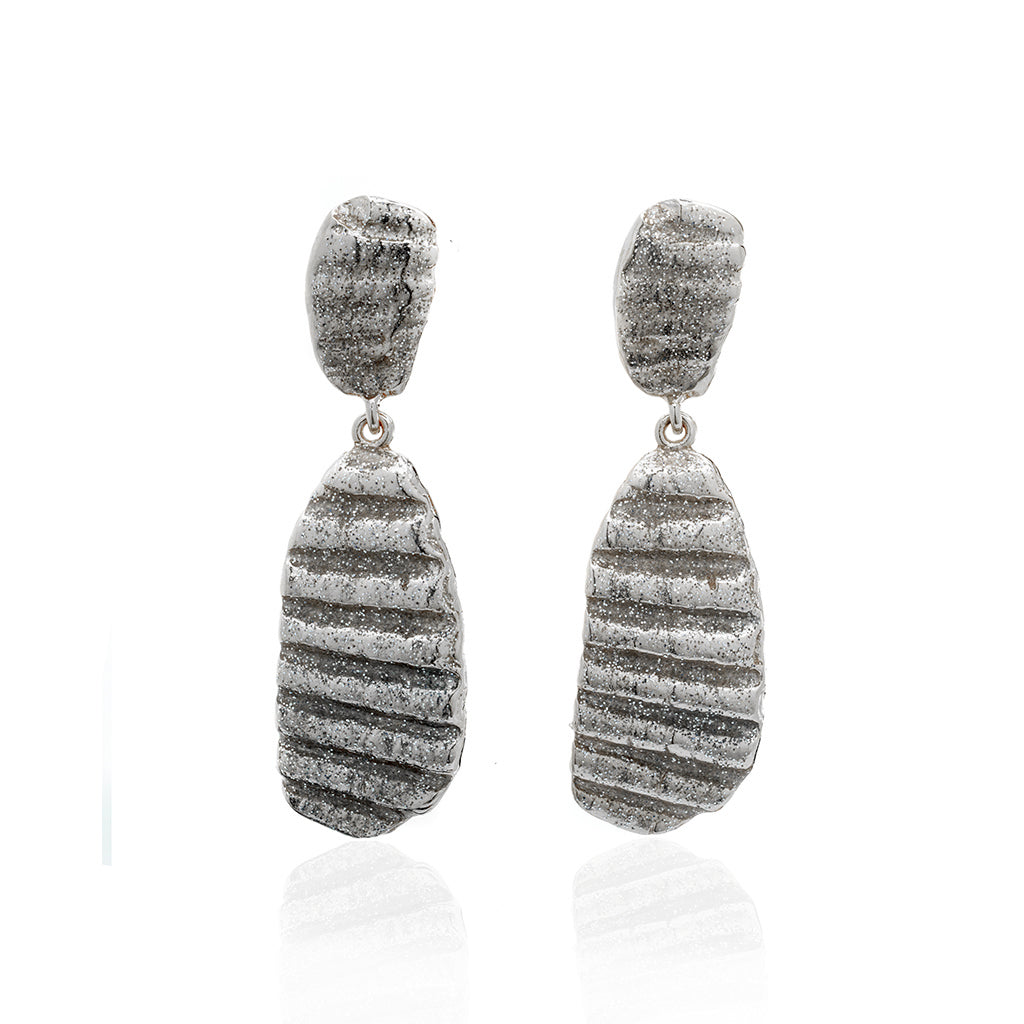 Medium Ridged Shell Drop Oval Earring Silver Stardust