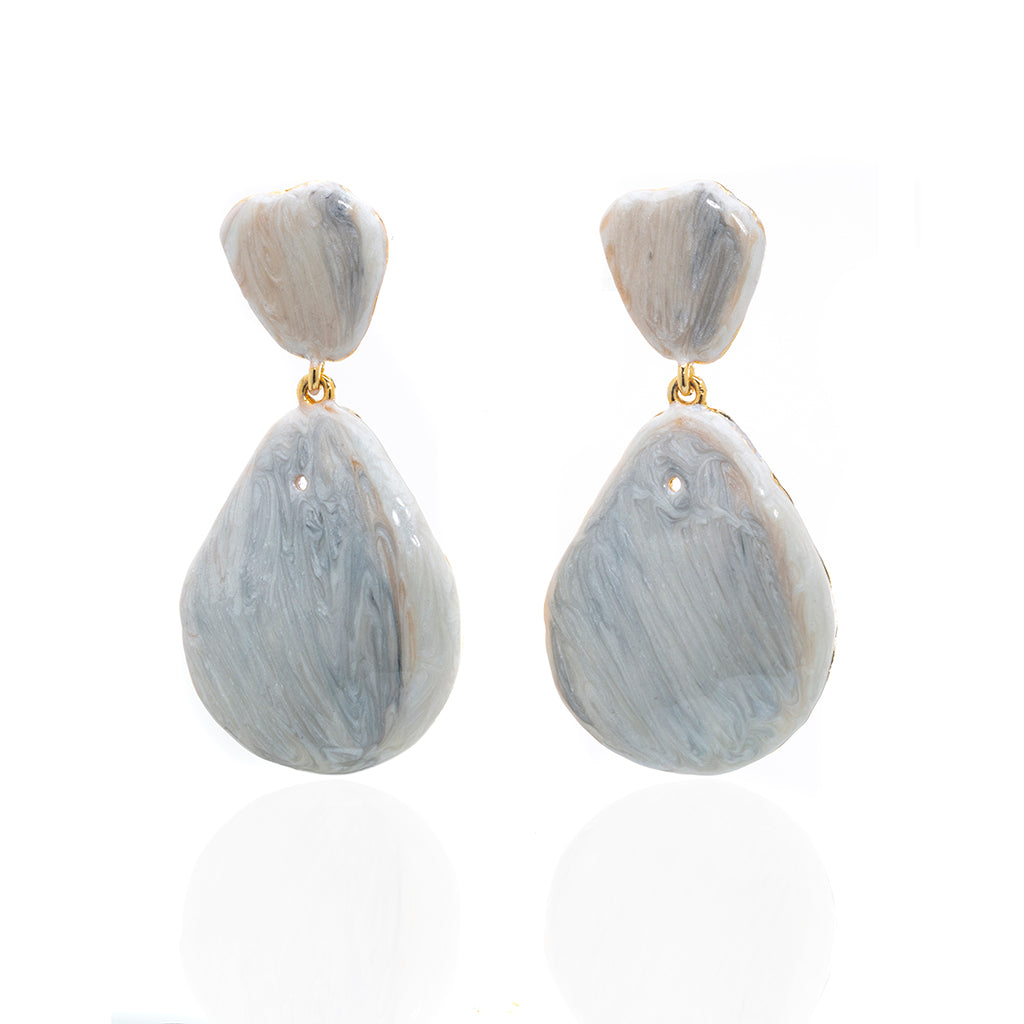 Large Teardrop Shell Earring Beige
