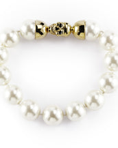 14mm Kiska Pearl Bracelet with Goldtone Skull Clasp