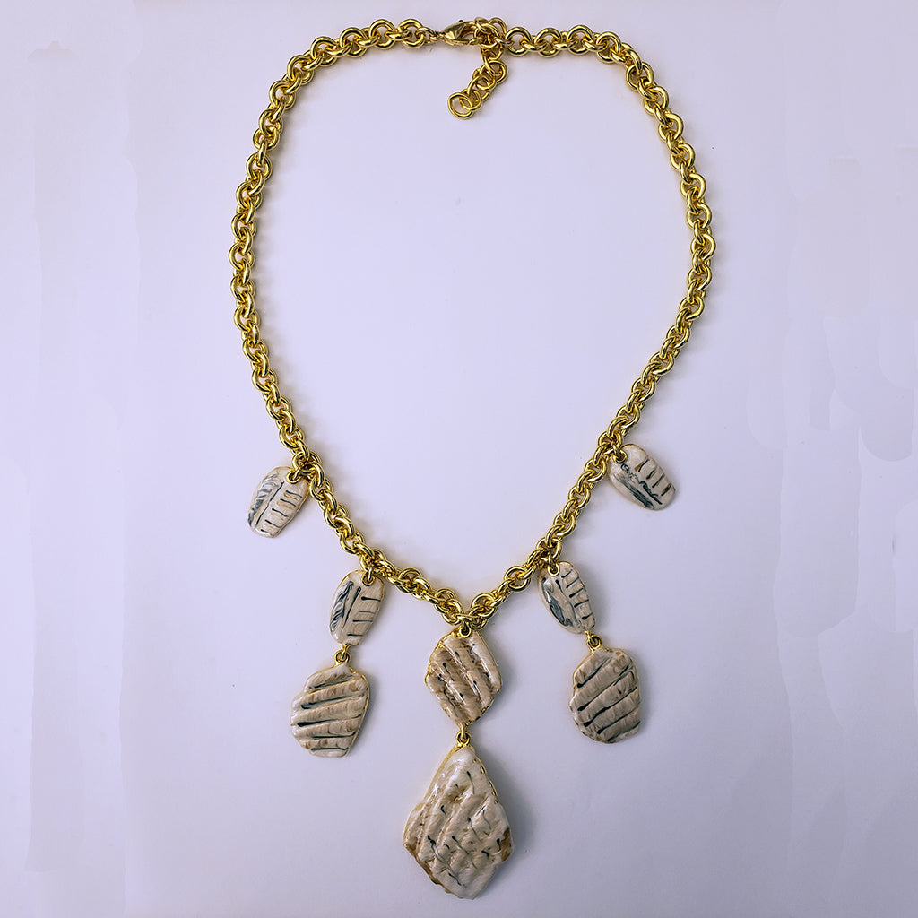 "18"" Multi Station Shell Necklace"