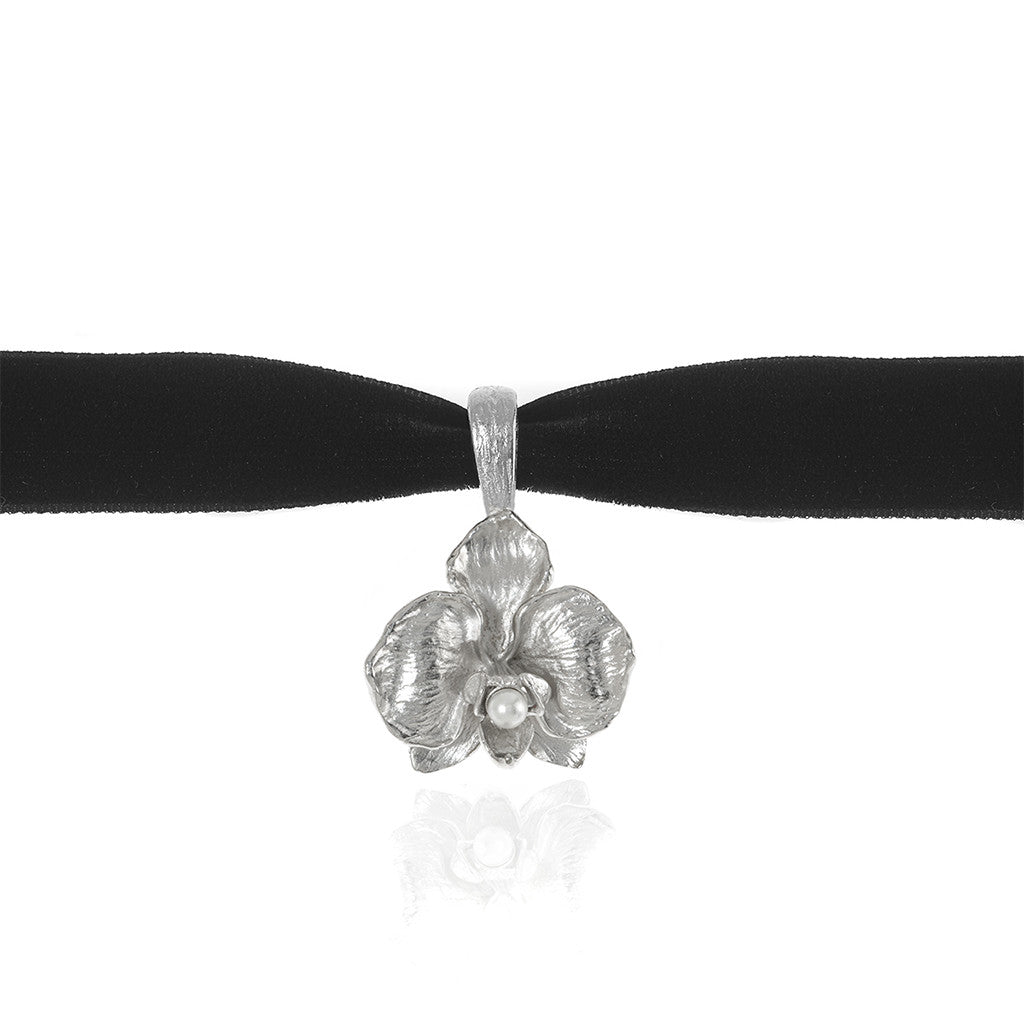 Orchid Velvet Choker With Silvertone Pendant and Pearl Center