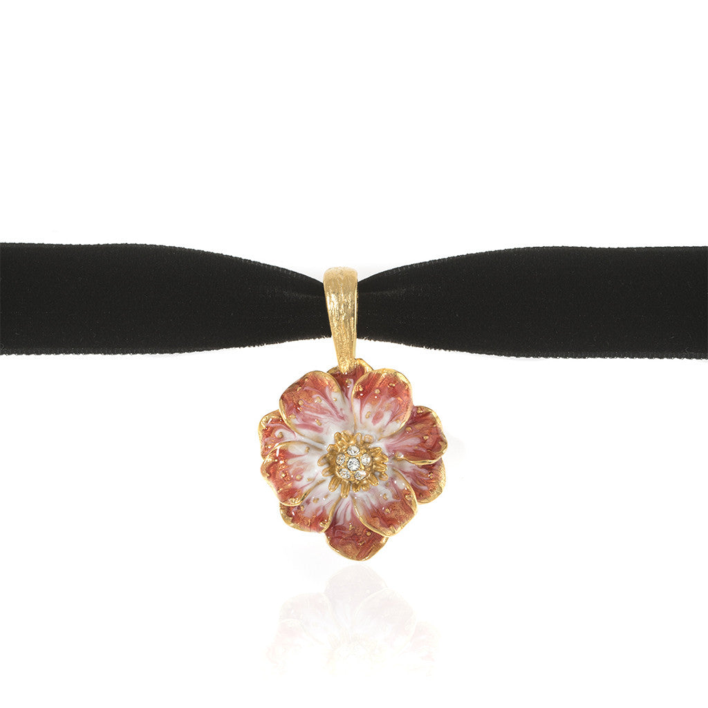 Double Rose Velvet Choker With Melon Flower Pendant