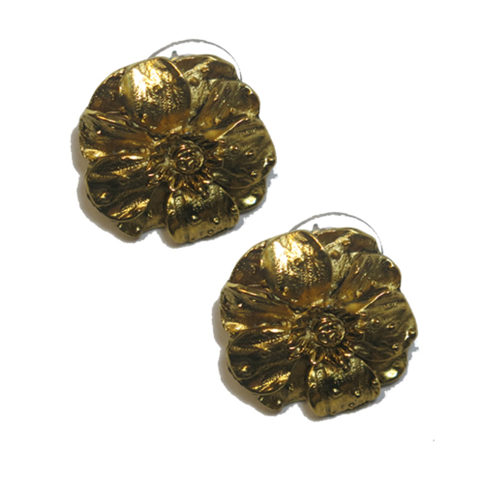 Small Gold Tone Flower Earring